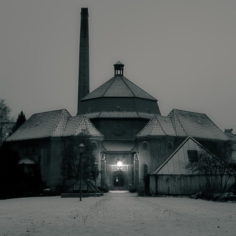 Wedding Crematory (by night)