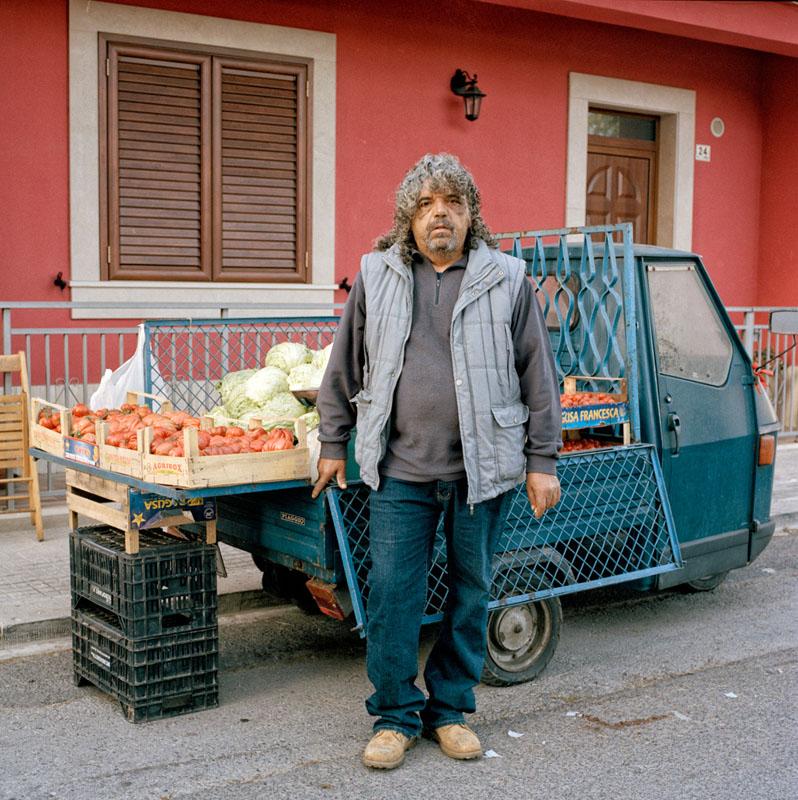 Piaggio Ape 50 - Carmelo Mangiafico - Venditore ambulante di frutta e verdura